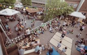 Stuttgart-Bad Cannstatt: Sommerevents Events im einmaligen Innenhof