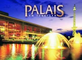Berlin: Sommerterrasse und Wasserspiele im Palais am Funkturm