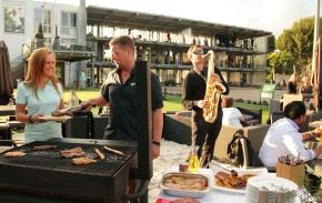 Hamburg: Feiern Sie Ihre Beachparty auf der ElbAlm!