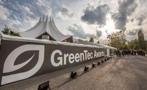 Grüner Teppich im Losberger Zelt