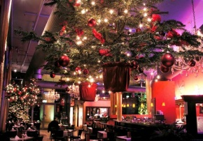 Düsseldorf: Roncalli's Apollo Varieté – Weihnachten am Rheinufer