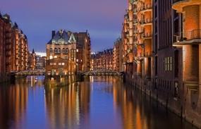Hamburg: Weihnachtsfeiern in der Speicherstadt oder hoch über den Dächern von Hamburg