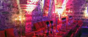 Köln: Geheimnisvoll bis magisch – Weihnachten feiern im Gewölbe BONAPARTE
