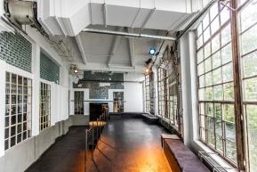 Berlin: Glashaus am Winterdorf – Ihre Weihnachtsfeier direkt an der Spree