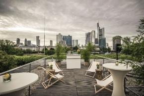 Frankfurt: Hell erleuchtet: das Museum für Kommunikation
