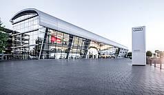 Neckarsulm: Audi Forum Neckarsulm - Audi Forum Neckarsulm - Außenansicht