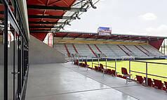 Regensburg: Jahnstadion Regensburg - überdachter Balkon im Businessclub I