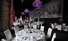 Dresden: Kurländer Palais - Galabestuhlung