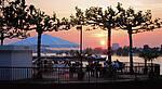 Das Rheinrondell - Außengastronomie mit dem schönsten Sonnenuntergang der Stadt