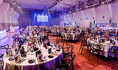 Essen Grand Hall UNESCO Welterbe Zollverein Obergeschoss Abend Gala