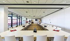 Regensburg: Jahnstadion Regensburg - Nebenzimmer Businessclub I