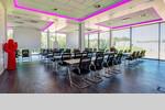 Je Etage können Kongresse mit bis zu 100 Teilnehmern stattfinden.