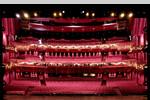 Stage Apollo Theater Blick in den Saal von der Bühne
