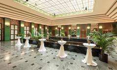 Baden-Baden Kurhaus Baden-Baden Oberes Foyer für Sektempfang