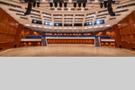 Der leere Große Saal im CongressCentrum Pforzheim CCP - ideal für freie Eventgestaltung nicht zuletzt unter Coronabedingungen, aber auch für Messen und ähnliche Veranstaltungen.