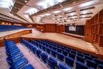 Der Große Saal des CongressCentrums Pforzheim (CCP) bietet viel Platz, moderne technische Ausstattung und eine spannende Raumarchitektur.